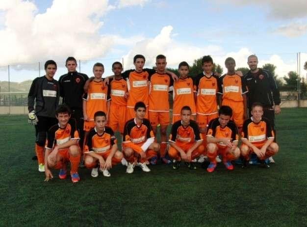Les enfants de l'équipe de football des U15 du FCEH (Football Club de l'Etoile Huveaune)